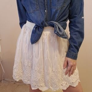 Francesca's white lace  mini skirt